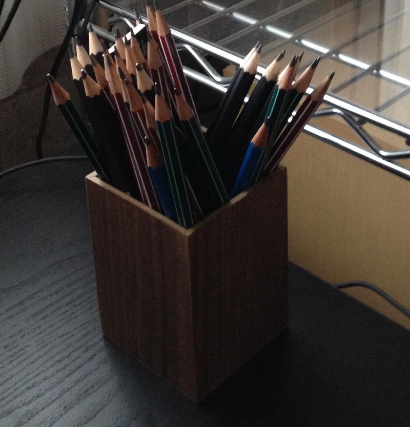 鉛筆に返る